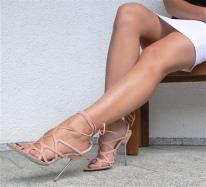 Afbeeldingsresultaat voor mooi voeten en benen